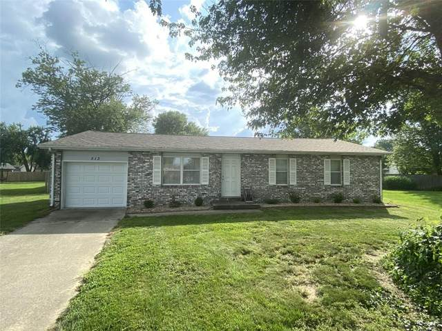 513 Woodruff Court, Seymour, IN 47274 (MLS #21801452) :: Mike Price Realty Team - RE/MAX Centerstone