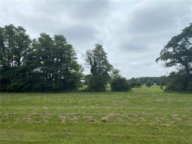 1594 N Cowlitz Trail, Greensburg, IN 47240 (MLS #21801742) :: The Indy Property Source