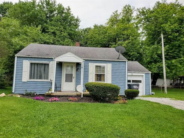 2405 E 3rd Street, Anderson, IN 46012 (MLS #21802527) :: The Evelo Team