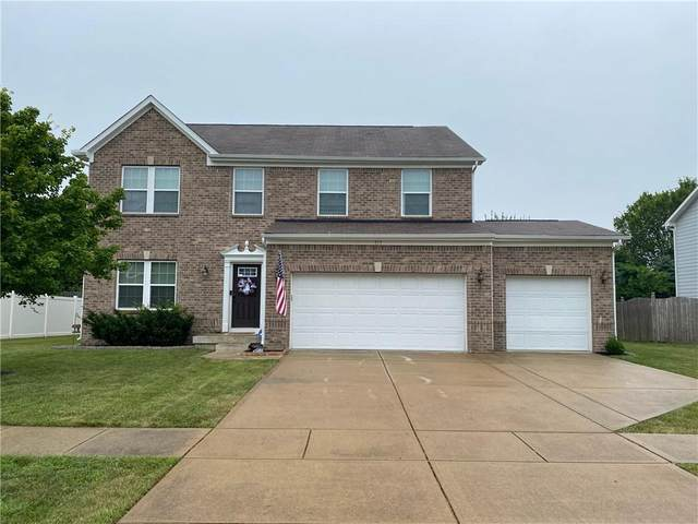 717 Fireside Drive, Greenwood, IN 46143 (MLS #21802557) :: Mike Price Realty Team - RE/MAX Centerstone