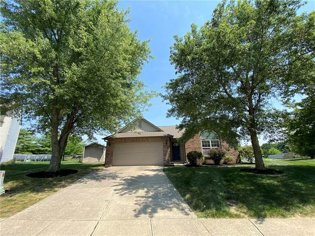 10390 Buell Court, Avon, IN 46123 (MLS #21802948) :: AR/haus Group Realty