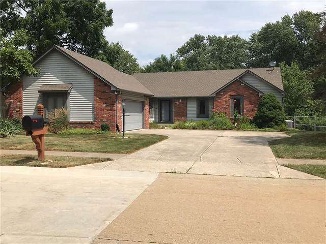 401 Stonehedge Drive, Carmel, IN 46032 (MLS #21803004) :: The Indy Property Source