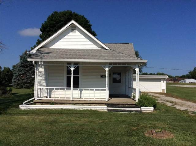 3910 N 200 W, Greenfield, IN 46140 (MLS #21803023) :: Mike Price Realty Team - RE/MAX Centerstone