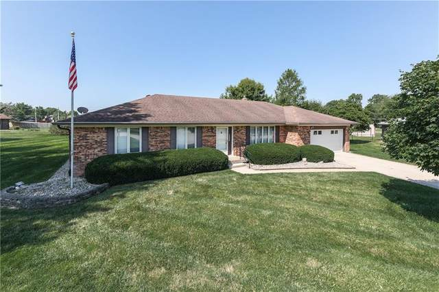 672 N Yeagy Court, Greenwood, IN 46142 (MLS #21803817) :: The Evelo Team