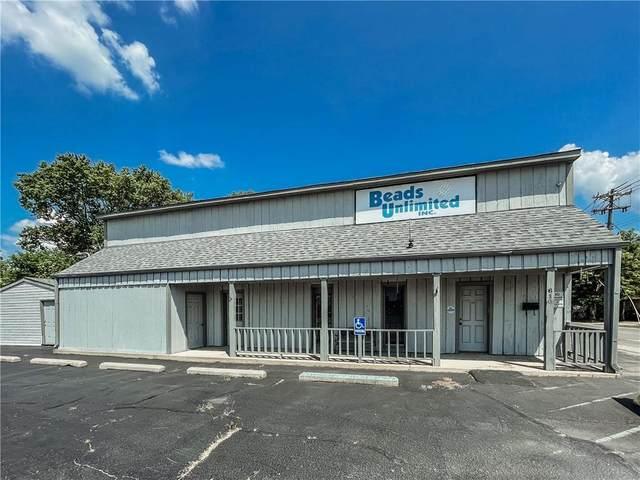 610 Main Street, Whiteland, IN 46184 (MLS #21803944) :: The Evelo Team