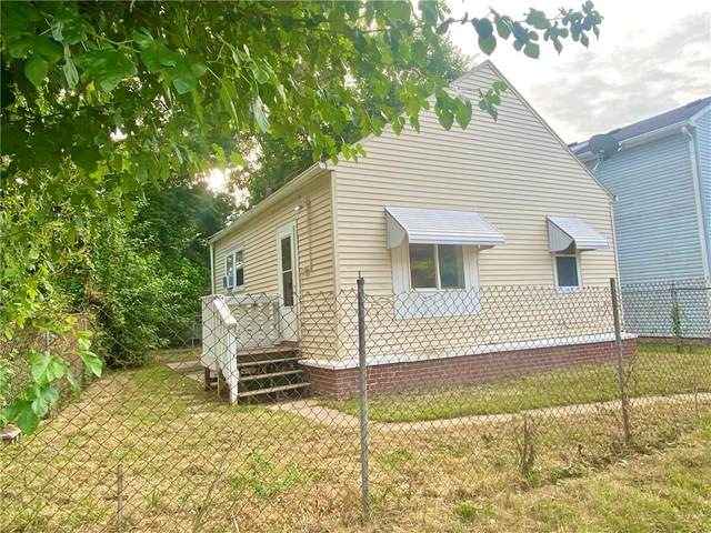 910 W Henry St, Anderson, IN 46016 (MLS #21804993) :: Mike Price Realty Team - RE/MAX Centerstone