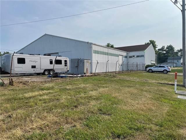 9108 W Sutherland Avenue, Yorktown, IN 47396 (MLS #21805445) :: The ORR Home Selling Team