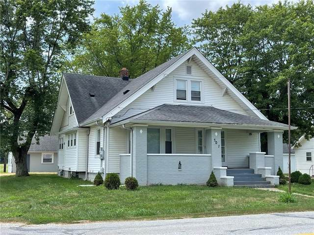 701 W Hanna Avenue, Indianapolis, IN 46217 (MLS #21805661) :: Mike Price Realty Team - RE/MAX Centerstone