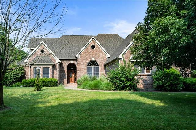 501 S Prestwick Lane, Yorktown, IN 47396 (MLS #21805729) :: The ORR Home Selling Team