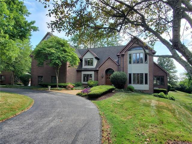 2423 Overlook Drive, Shelbyville, IN 46176 (MLS #21806047) :: The Indy Property Source