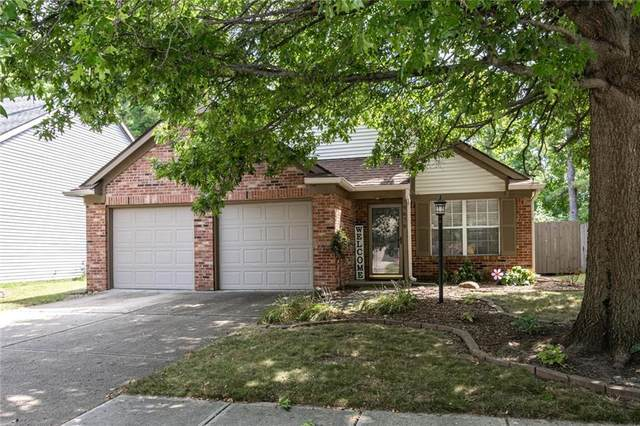 9676 Spruce Lane, Fishers, IN 46038 (MLS #21806232) :: Mike Price Realty Team - RE/MAX Centerstone