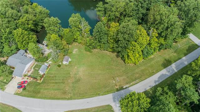 4274 E Lakeview Drive, Martinsville, IN 46151 (MLS #21808329) :: Mike Price Realty Team - RE/MAX Centerstone