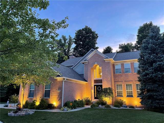 8238 Sweetclover Court, Indianapolis, IN 46256 (MLS #21809002) :: Mike Price Realty Team - RE/MAX Centerstone