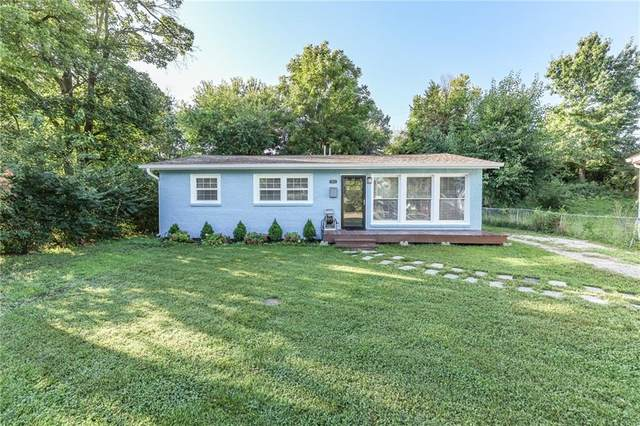 2055 Mac Court, Indianapolis, IN 46203 (MLS #21810977) :: Pennington Realty Team