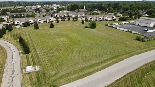 1706 Mccall Drive, Shelbyville, IN 46176 (MLS #21811135) :: David Brenton's Team