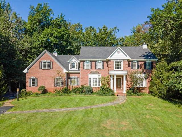 10022 Fox Trace, Zionsville, IN 46077 (MLS #21811312) :: The Evelo Team