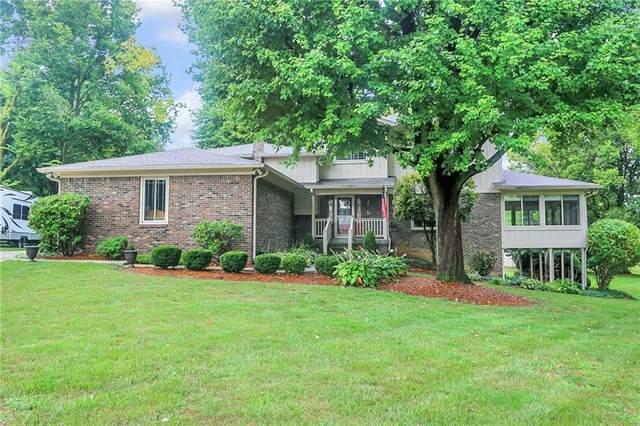 3157 Lake Court, Greenwood, IN 46142 (MLS #21811724) :: Ferris Property Group