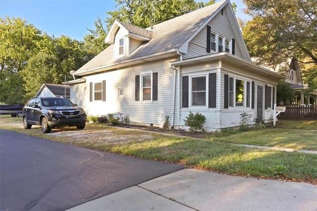 455 W Oak Street, Zionsville, IN 46077 (MLS #21812502) :: The ORR Home Selling Team