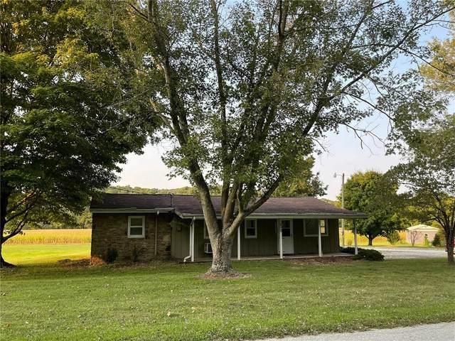 1690 Green Valley Road, Nashville, IN 47448 (MLS #21812886) :: Pennington Realty Team