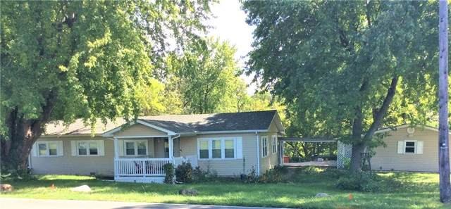 6505 W River Road, Yorktown, IN 47396 (MLS #21813255) :: The ORR Home Selling Team