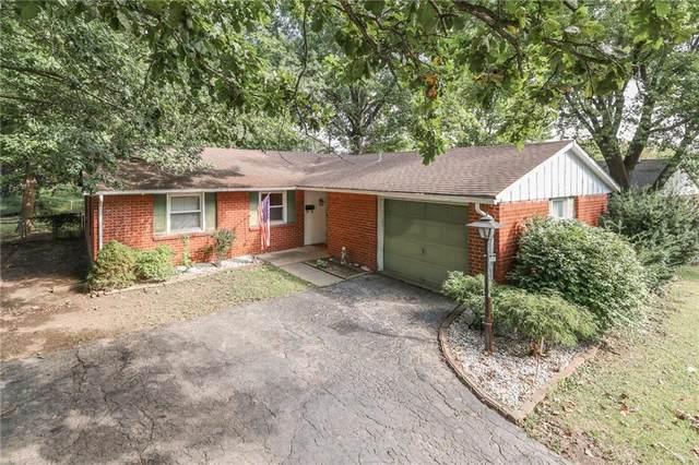 2050 N Schwier Drive, Indianapolis, IN 46229 (MLS #21813289) :: Heard Real Estate Team   eXp Realty, LLC