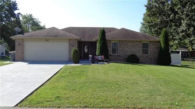 1011 W 8th Street, Seymour, IN 47274 (MLS #21814058) :: Ferris Property Group