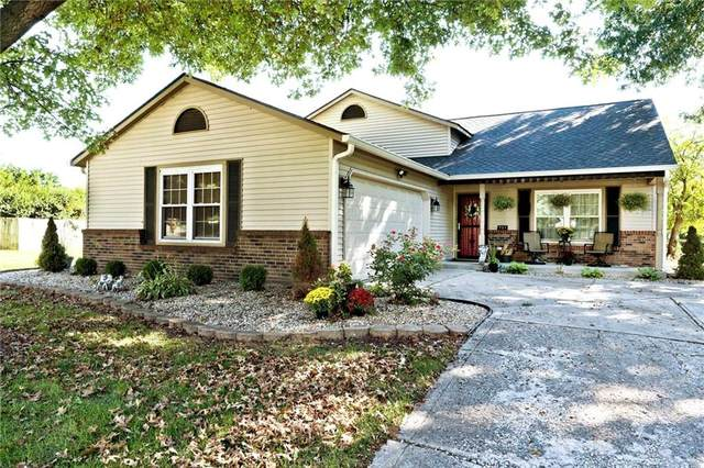 721 Sable Ridge Drive, Greenwood, IN 46142 (MLS #21815458) :: The ORR Home Selling Team