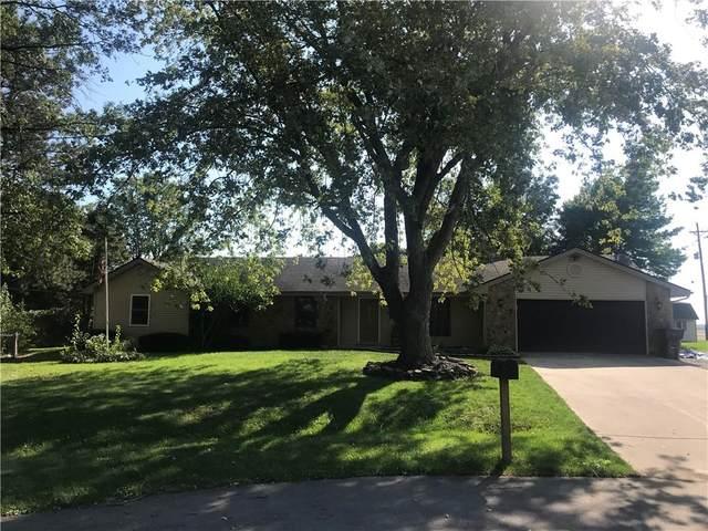 9230 N Keith Drive W, Columbus, IN 47203 (MLS #21815720) :: Heard Real Estate Team   eXp Realty, LLC