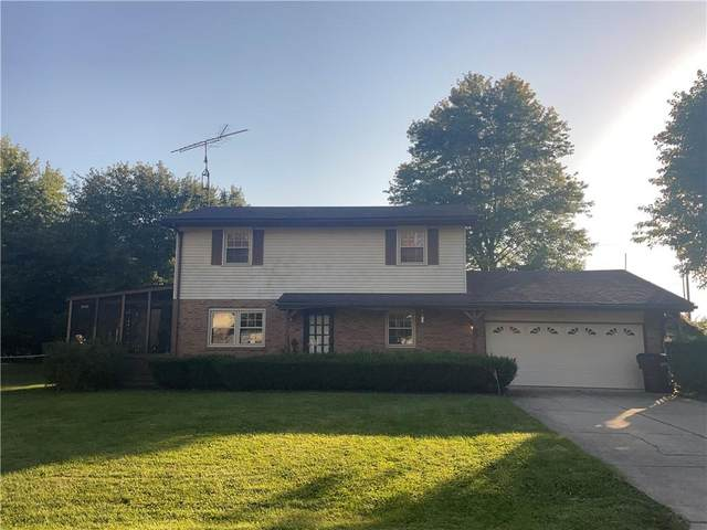2401 W Madeira Court, Columbus, IN 47201 (MLS #21816065) :: Dean Wagner Realtors