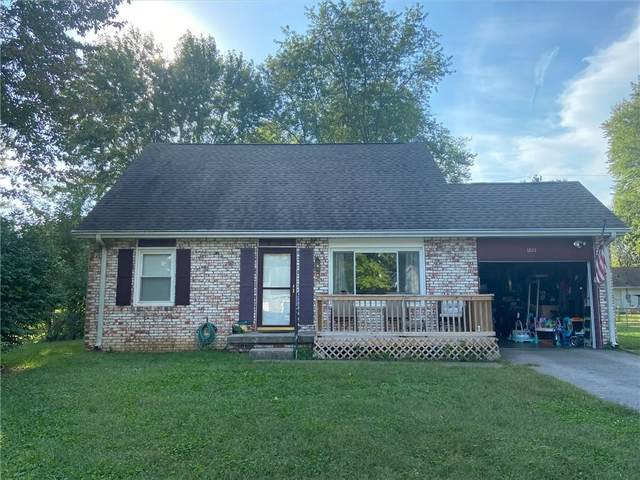 1822 Dawnshire Drive, Columbus, IN 47203 (MLS #21816520) :: Mike Price Realty Team - RE/MAX Centerstone