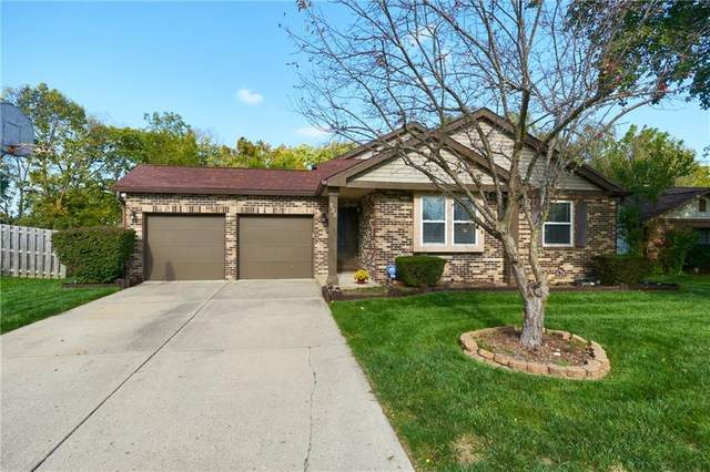 528 Hunters Trail, Greenwood, IN 46142 (MLS #21819847) :: The Indy Property Source