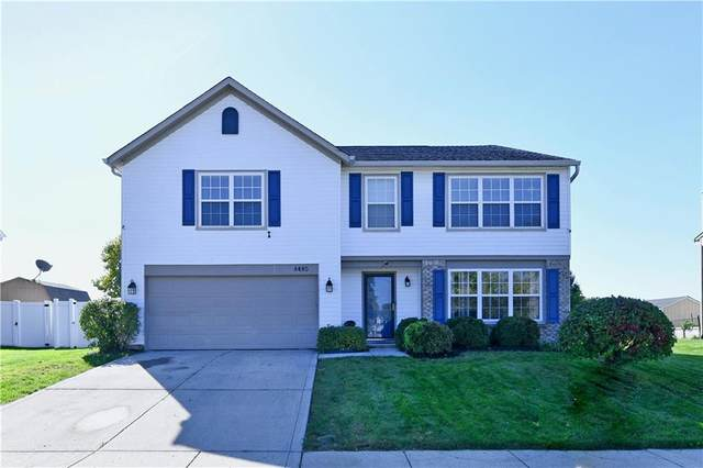 8485 Robin Run Way, Avon, IN 46123 (MLS #21819977) :: Mike Price Realty Team - RE/MAX Centerstone