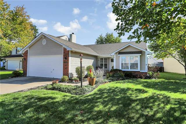 19156 Strand Court, Noblesville, IN 46060 (MLS #21820403) :: The Indy Property Source