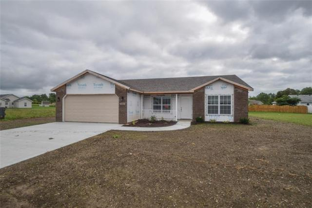 1113 W Nature Pointe Ln, Muncie, IN 47304 (MLS #21585053) :: HergGroup Indianapolis