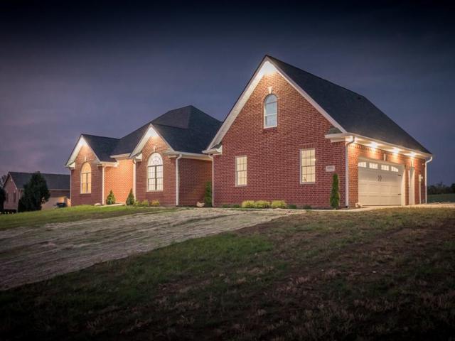 8326 Black Oak Drive, Martinsville, IN 46151 (MLS #21590180) :: FC Tucker Company