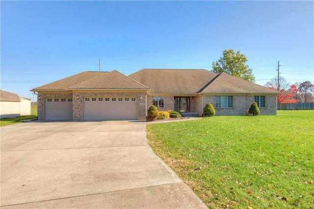 7460 Oakview Drive, Avon, IN 46123 (MLS #21605933) :: HergGroup Indianapolis