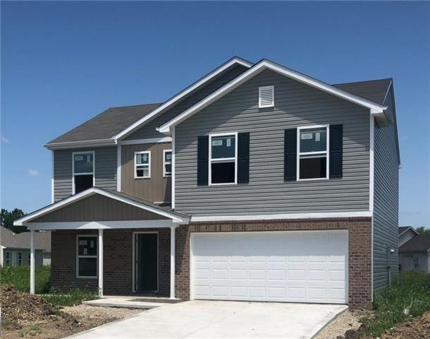 1105 W Nature Pointe Lane, Muncie, IN 47304 (MLS #21626509) :: Mike Price Realty Team - RE/MAX Centerstone