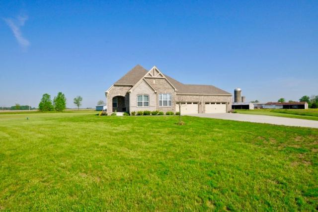 7950 W Cricket Court, New Palestine, IN 46163 (MLS #21633403) :: David Brenton's Team