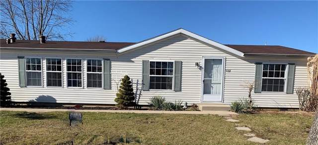 4664 W Ridge Drive, Columbus, IN 47203 (MLS #21683642) :: The Star Team | RE/MAX Realty Group
