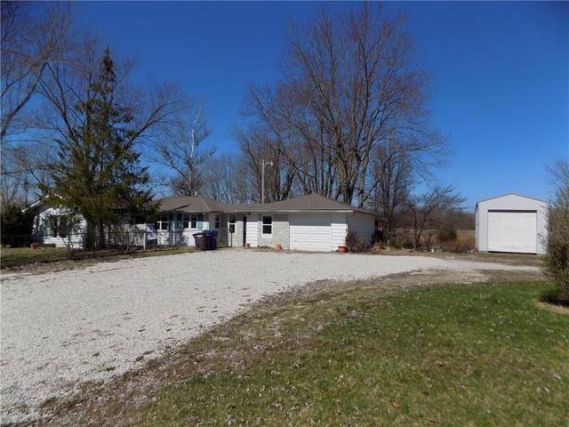 6569 E Us Highway 40, Fillmore, IN 46128 (MLS #21701290) :: The Evelo Team