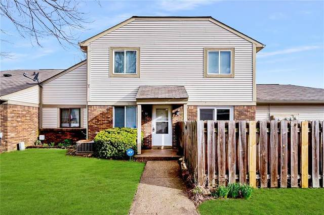 5918 Deerwood Court, Indianapolis, IN 46254 (MLS #21701542) :: The ORR Home Selling Team