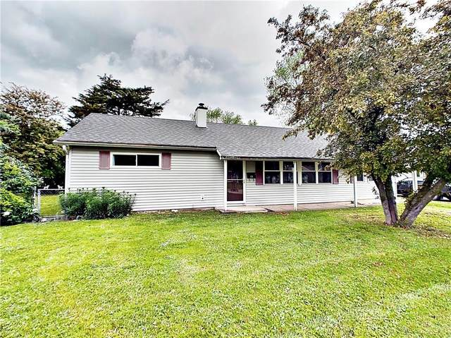 11 Sayre Drive, Greenwood, IN 46143 (MLS #21715117) :: The Evelo Team