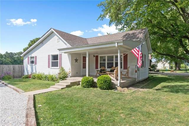 613 White Street, Shirley, IN 47384 (MLS #21735787) :: Anthony Robinson & AMR Real Estate Group LLC