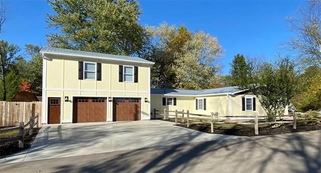 1950 S Maxwell Street, Bloomington, IN 47401 (MLS #21744657) :: Richwine Elite Group