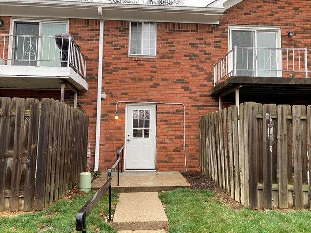 910 Park Central S Dr Drive D, Indianapolis, IN 46260 (MLS #21754759) :: AR/haus Group Realty