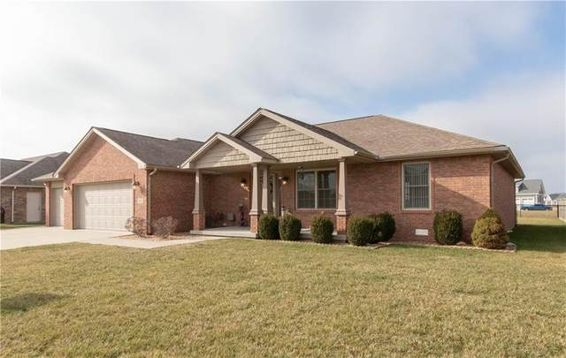 6983 Lydia Lane, Seymour, IN 47274 (MLS #21760207) :: Realty ONE Group Dream