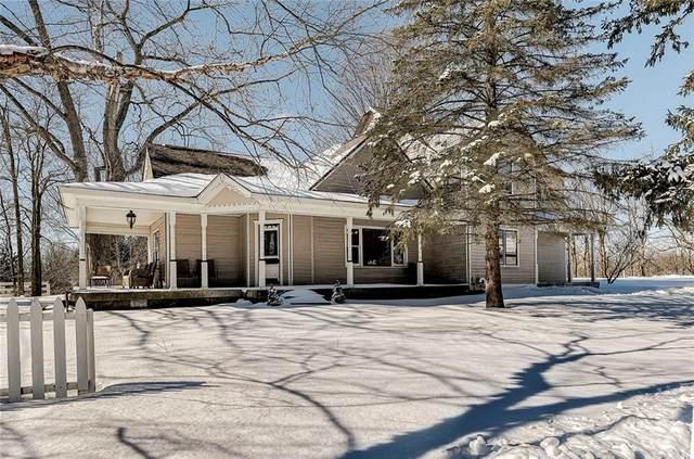 3950 W 121st Street, Zionsville, IN 46077 (MLS #21765517) :: Ferris Property Group