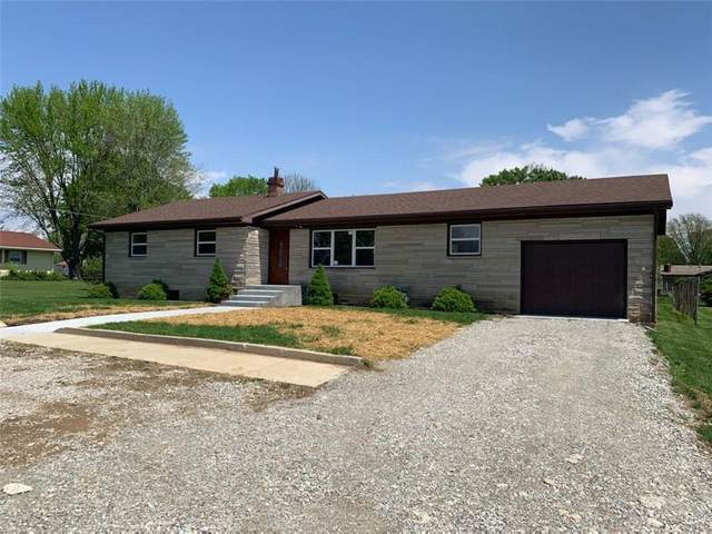 2026 Traction Road, Crawfordsville, IN 47933 (MLS #21779487) :: The ORR Home Selling Team