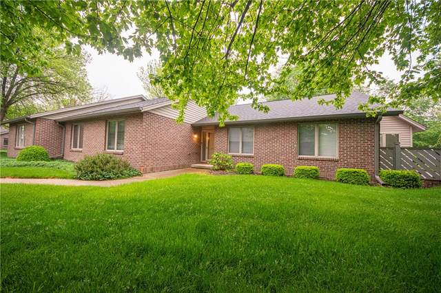 2710 Wildwood Place, Columbus, IN 47201 (MLS #21783321) :: Dean Wagner Realtors