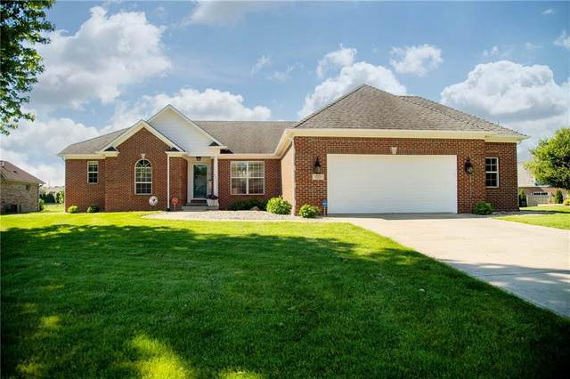 213 Woodland Place, Pittsboro, IN 46167 (MLS #21785973) :: Pennington Realty Team
